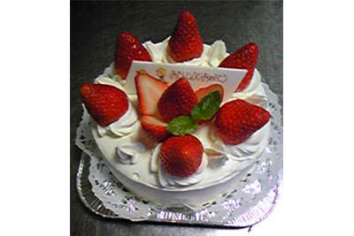 お誕生日ケーキの1例です。