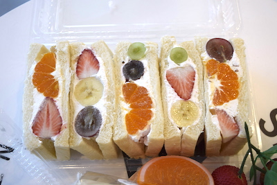甘くてフレッシュなフルーツサンド