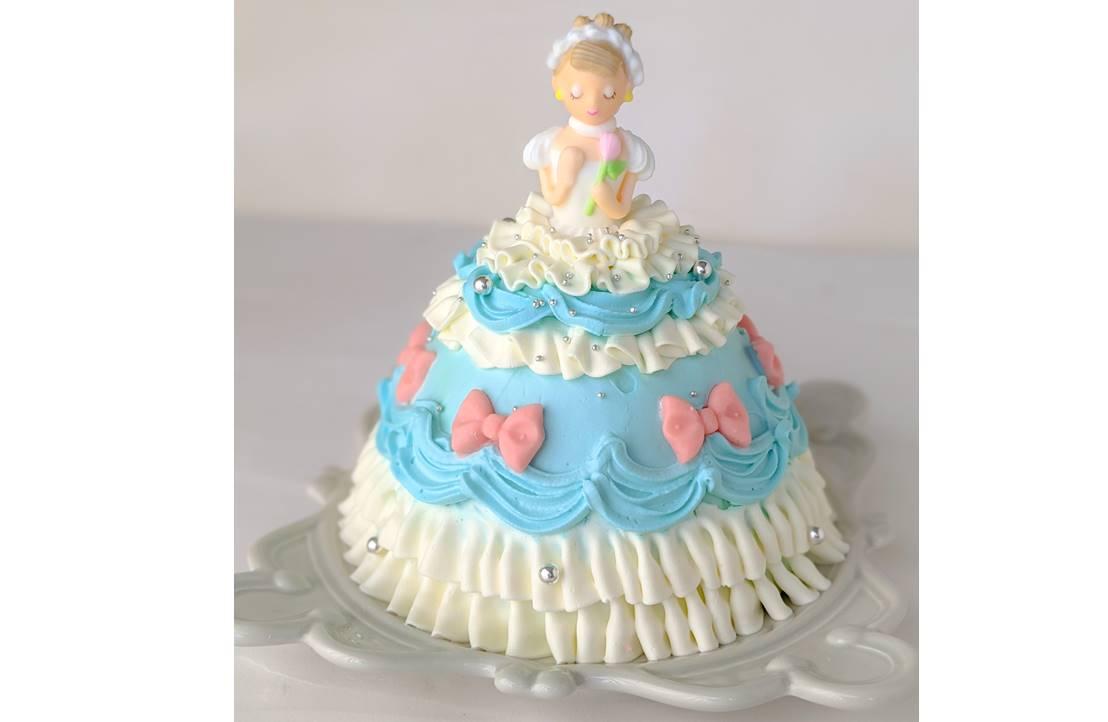 ふんわり口どけの良いロールケーキ プレーンバニラ1,180円。