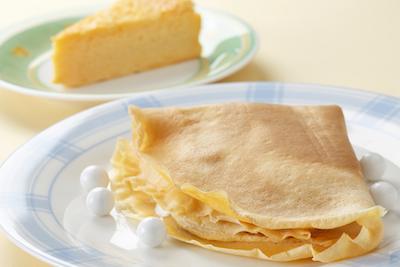 豆乳クレープ:バナナチョコ210円、ミカン・パイン190円、チーズケーキ220円。