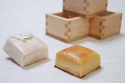 観光庁主催「魅力ある日本のおみやげコンテスト」で全国第二位日本酒のチーズケーキ「八極」。3個入2,376円。